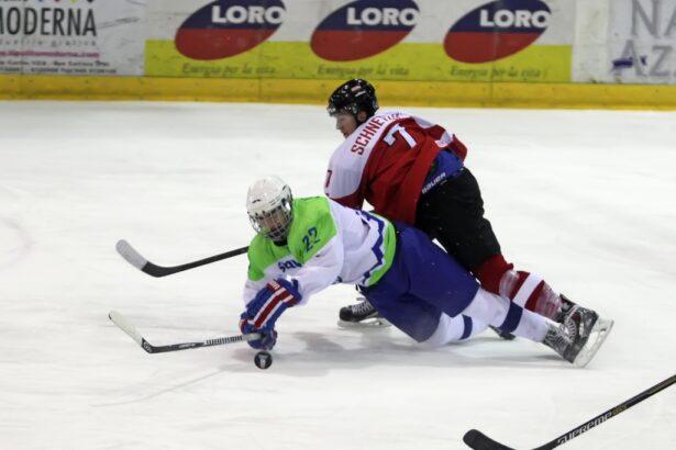 Prodorni Žan je vedno nevaren za nasprotnikov gol (foto: Drago Cvetanovič)