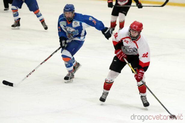 V drugi tretjini so Jeseničani pobegnili nasprotniku (foto: Drago Cvetanovič)