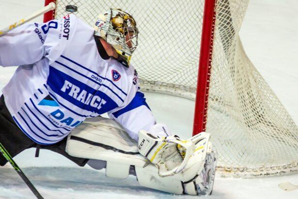 Boštjan Goličič je našel malo prostora in odločil tekmo (foto: Drago Cvetanovič)