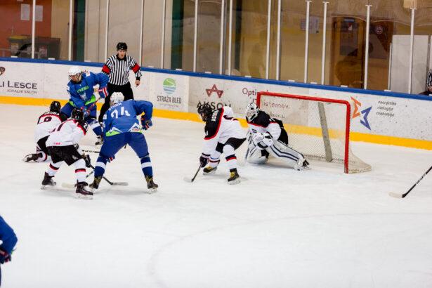 IIHF-SLO-JPN-U18-GP-14