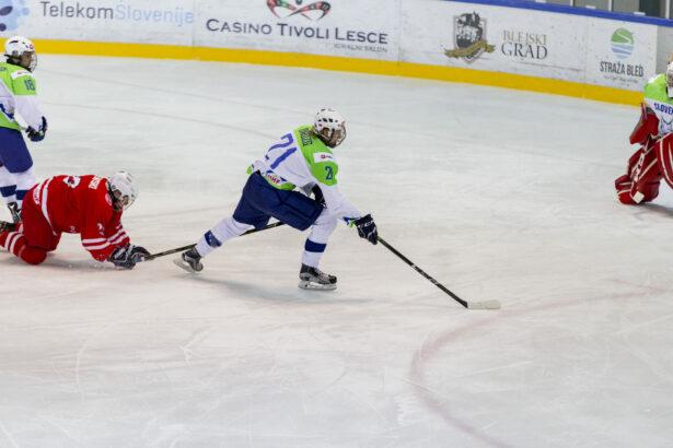 IIHF-SLO-POL-U18-GP-64