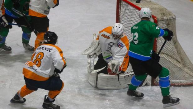 Hokejisti Olimpije prepričljivo v pokalno polfinale
